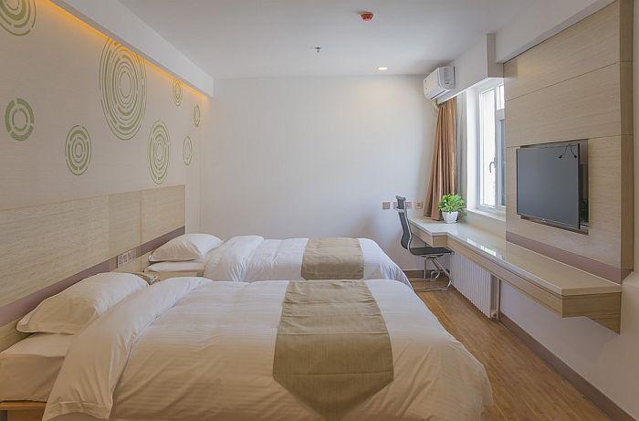 Knežević: Za svaki krevet od 1. jula porez će biti oko 3.500 dinara
