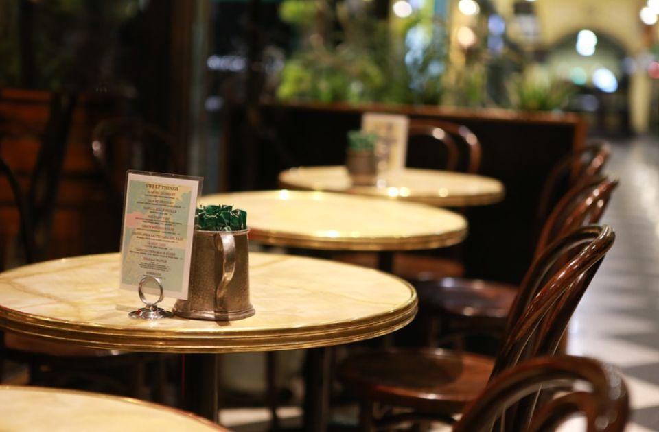 U Holandiji za odlazak u toalet barova obavezna kovid propusnica, u Sloveniji potvrda za rad od kuće