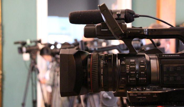Novinar i kamerman TV Prva napadnuti u Leskovcu zbog parking mesta