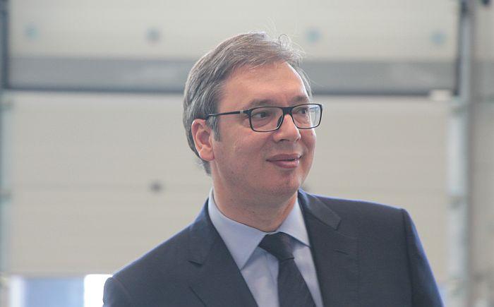 Vučić pušten kući nakon lečenja na VMA