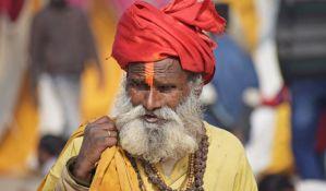 Zbog gurua koji je umro od virusa korona, najmanje 15.000 osoba u karantinu