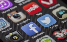 Novi Huawei mobilni će se prodavati bez Facebooka, WhatsAppa i Instagrama