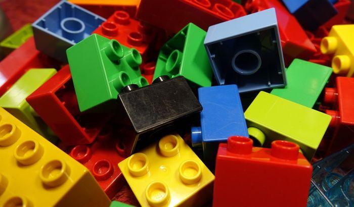 Lego privremeno obustavlja reklamiranje na društvenim mrežama