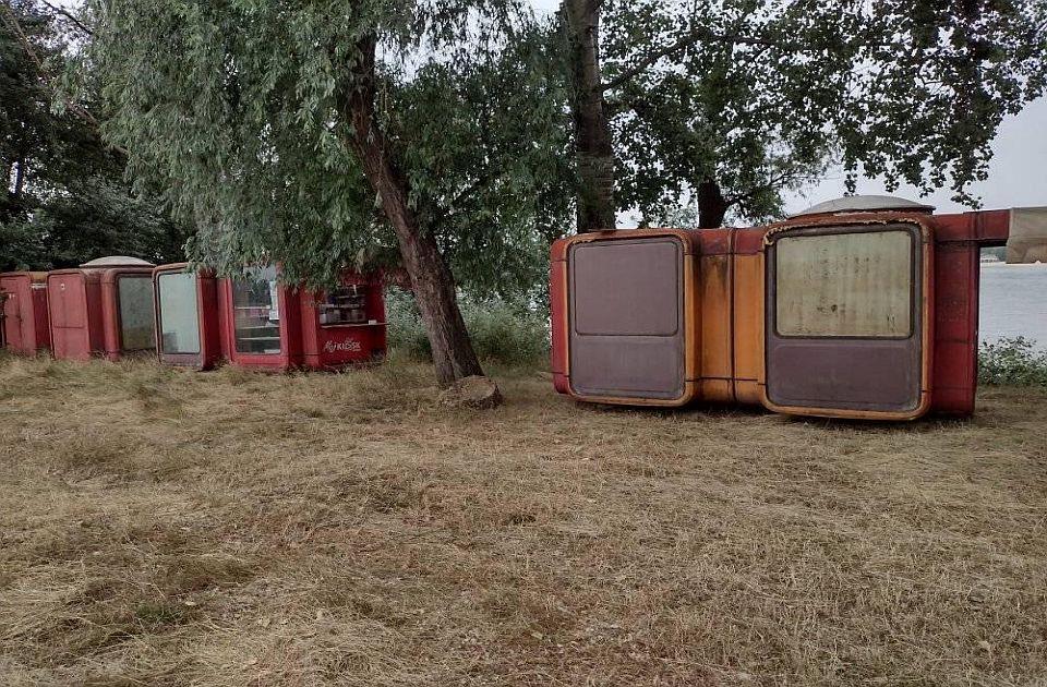FOTO: Šta će se desiti sa crvenim kioscima iz centra Novog Sada?
