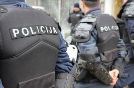 Bačena bomba na opštinu Zubin Potok, vatra zahvatila dve kancelarije