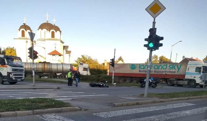 Sudar kamiona i motora u Petrovaradinu