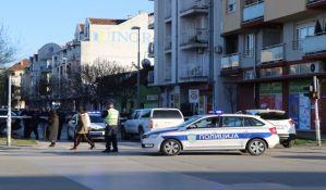 FOTO, VIDEO: Policija blokirala ulicu Ilije Birčanina, jedna osoba privedena