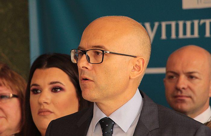Miloš Vučević podneo krivične prijave protiv braće Vučić zbog