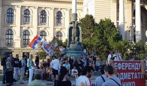 UŽIVO Beograd: Miran protest ispred Skupštine Srbije
