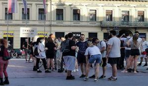 UŽIVO Novi Sad: Građani se okupljaju na Trgu slobode