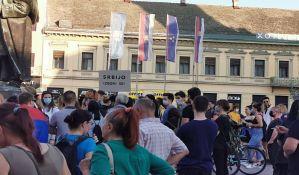 UŽIVO Novi Sad: Građani krenuli u protestnu šetnju novosadskim ulicama