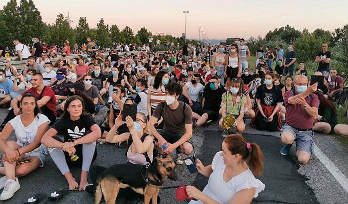 Vučić: Pokušaj blokade auto-puta kod Novog Sada je čist terorizam