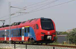 MUP: Požar kod voza u Resniku, u toku evakuacija putnika