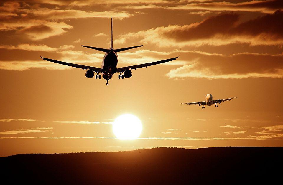 Od dva aviona crnogorske kompanije, jedan ostaje bez motora zbog duga