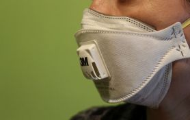 Mađarska poslala Srbiji maske i zaštitna odela