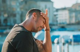 Glavobolja i gubitak čula mirisa najčešći su simptomi virusa korona u Evropi