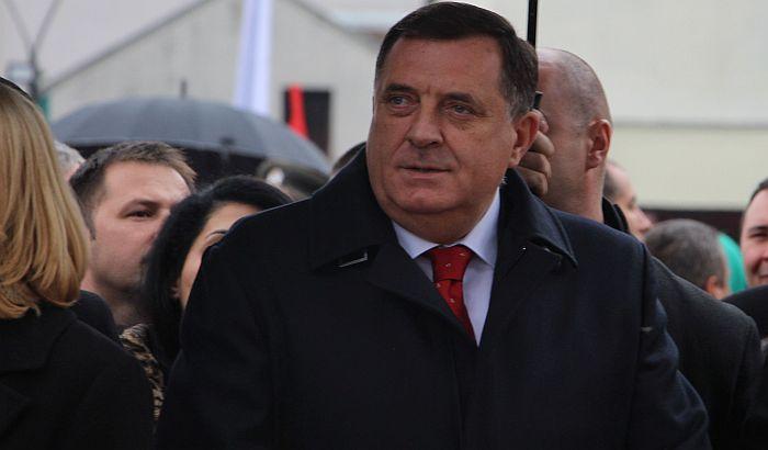 Komšić podneo krivičnu prijavu protiv Dodika