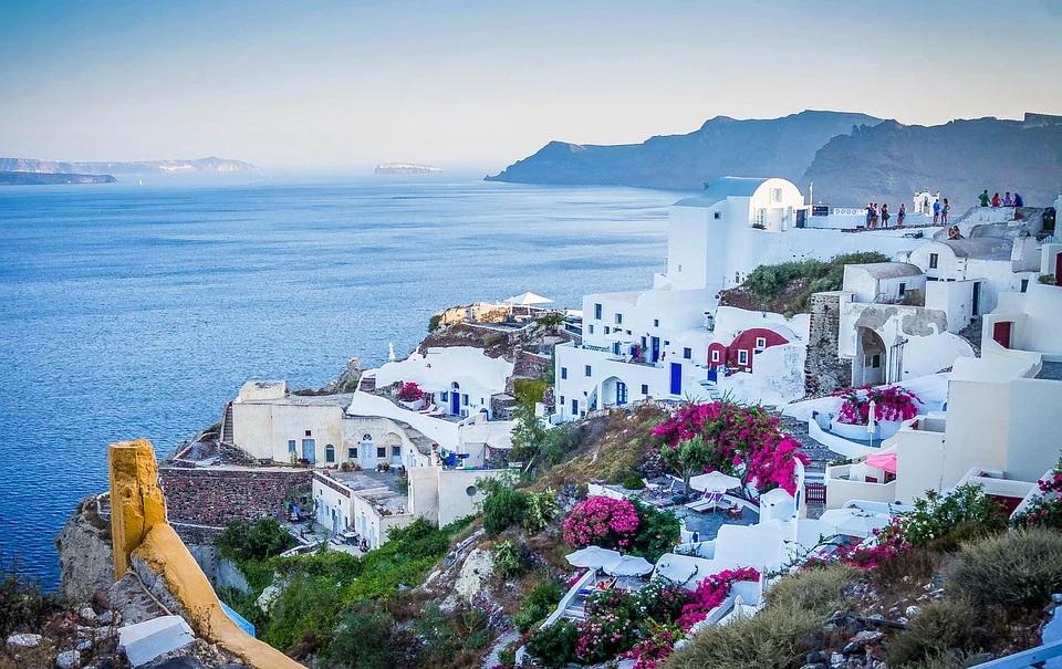 Grčka se priprema za turističku sezonu: Danas se otvaraju privatne plaže, muzeji sledeće nedelje
