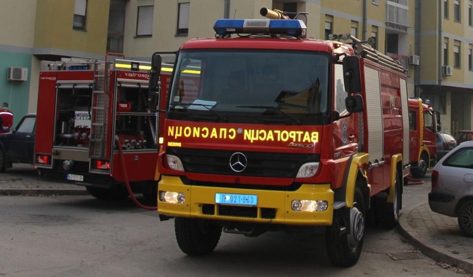 U požaru u Nišu potpuno izgorela dva stana, nema stradalih i povređenih