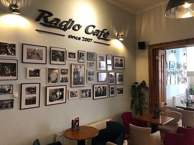 FOTO: Novosadski rokenrol u 100 fotografija u Radio kafeu