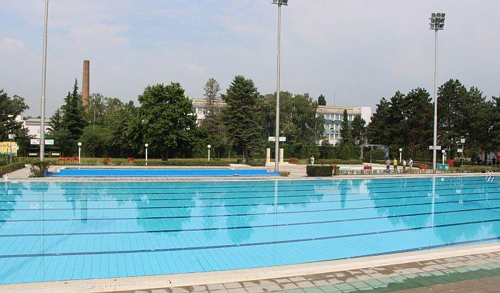 Evakuisani posetioci bazena na Sajmištu zbog curenja hlora