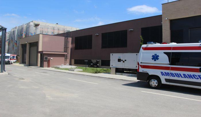 FOTO: Garaža nove zgrade Hitne pomoći uskoro u upotrebi posle više od godinu dana od useljenja