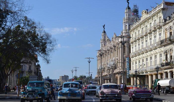 Kuba reformiše sistem, smanjuje subvencije građanima