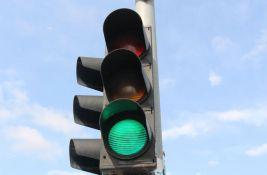 Počinje postavljanje semafora na dve lokacije na Bulevaru Evrope, menja se režim saobraćaja