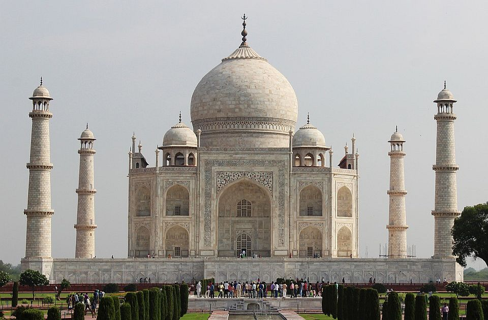 Tadž Mahal ponovo otvoren za noćne posete