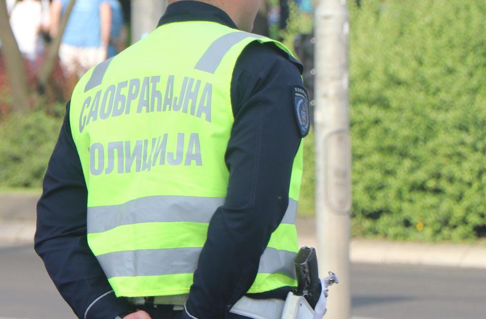 U 13 udesa u Novom Sadu jedna osoba teško, a osam lakše povređeno