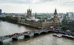 Ponovo karantin za građane Srbije koji putuju u Veliku Britaniju
