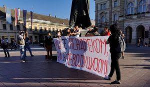 Novi Sad: Počeo protest na Trgu slobode