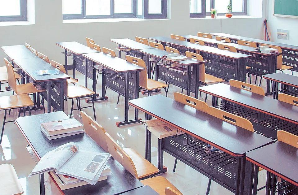Ružić: Ukoliko situacija bude nalagala, školska godina kreće po prošlogodišnjem modelu