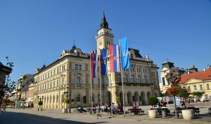 Grad nudi pet lokacija za postavljanje elektronskih displeja