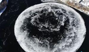 VIDEO: Ledeni disk zbunio građane, mislili da je trag vanzemaljaca