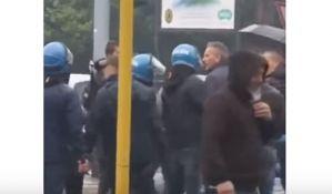VIDEO: Mihajlovića obuzdavala policija zbog vređanja navijača Lacija