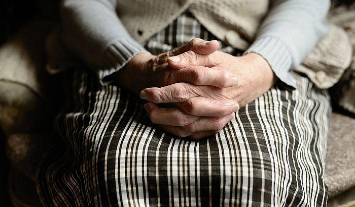 U domovima za stare koronom zaraženo 239 korisnika