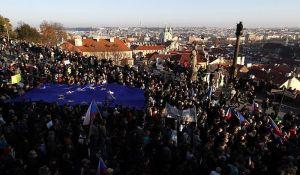 Češka protestuje protiv premijera na dan godišnjice plišane revolucije