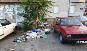 FOTO: Apeli stanara Podbare da nesavesni građani ne prave smetlište u njihovoj ulici