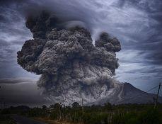 Pomoć karipskom ostrvu Sveti Vinsent posle erupcije vulkana, evakuisano više hiljada ljudi