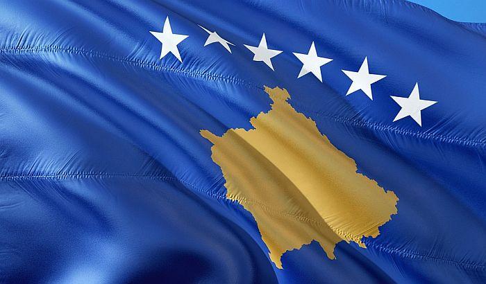 RTS konvoj posle 25 sati čekanja na Jarinju, pušten na Kosovo