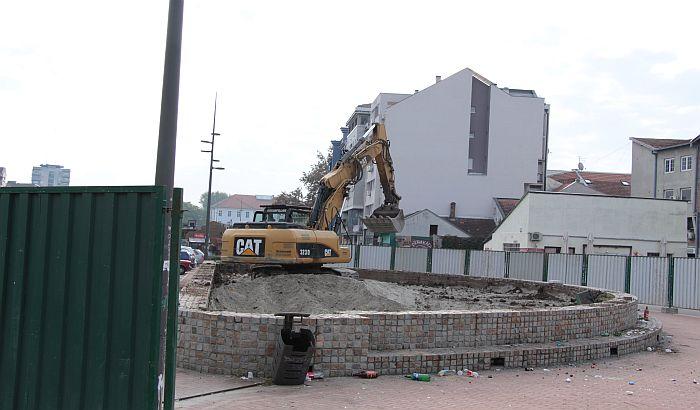 FOTO: Počeli pripremni radovi za postavljanje spomenika Petru I Karađorđeviću