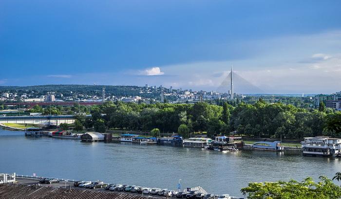 Ronioci pronašli avionsku bombu u Savi, blizu stuba tramvajskog mosta