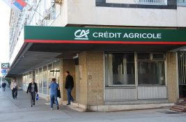 Rajfajzen banka kupila Kredi agrikol banku