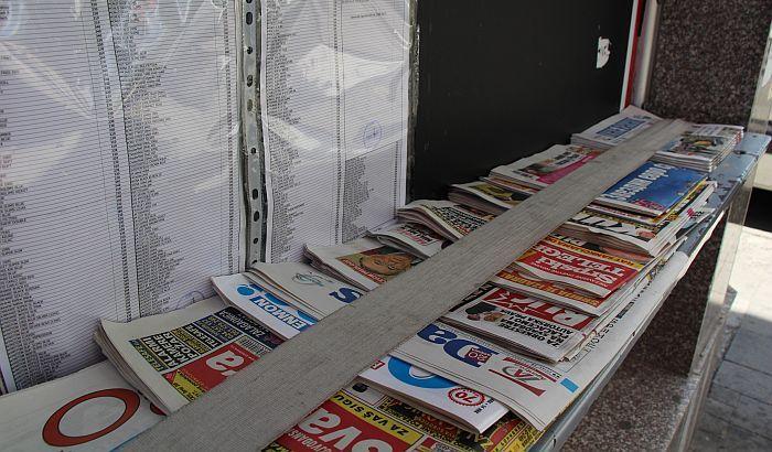 Najmanje 945 lažnih vesti na naslovnicama četiri tabloida