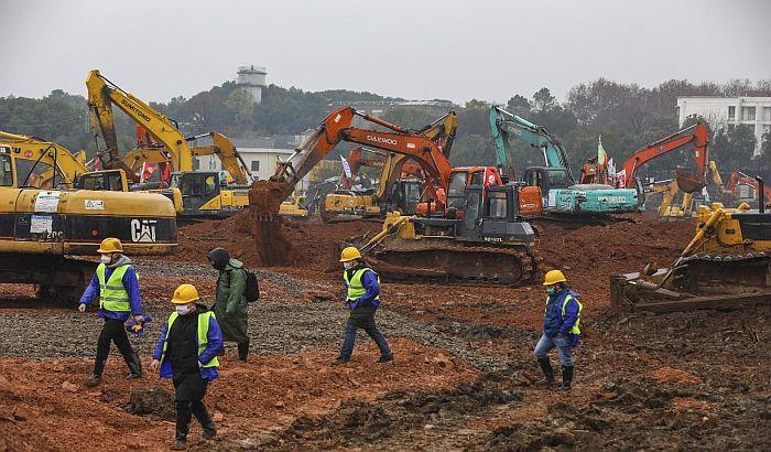 FOTO: Vuhan ubrzano gradi bolnicu, broj obolelih od novog virusa raste
