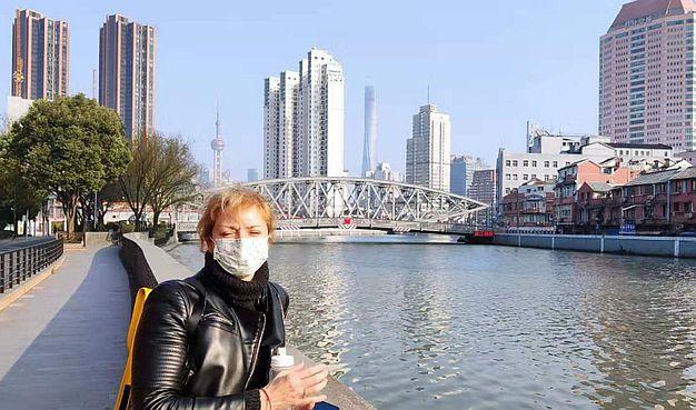 Pismo Dajane Mandžo iz Šangaja:  U toku dana mi izmere temperaturu deset puta, svi se plaše stranaca