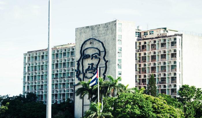 Kubanski ambasador: SAD blokirale pomoć koju je Kubi za suzbijanje pandemije poslala azijska fondacija