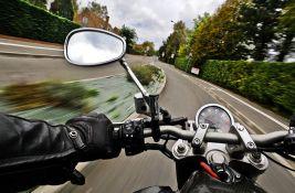 Teško povređen motociklista na Zrenjaninskom putu