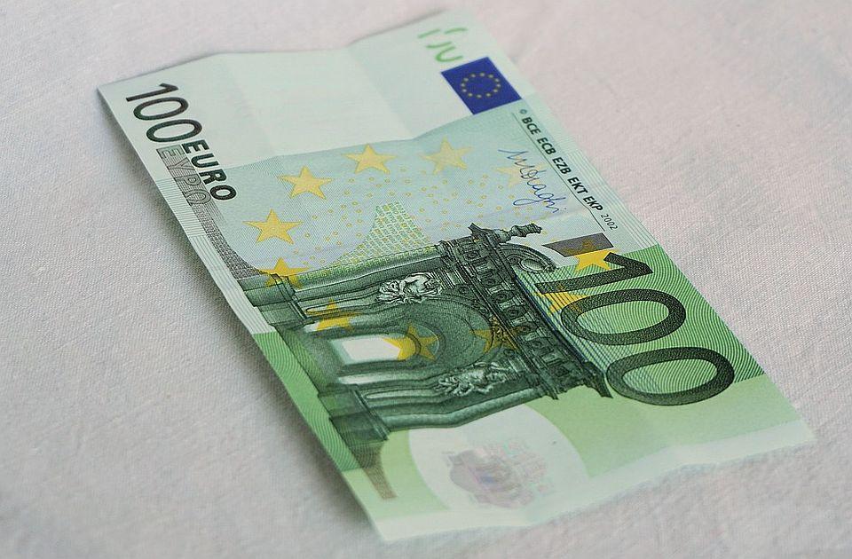 Od petka prijavljivanje obveznika za 100 evra za fiskalizaciju
